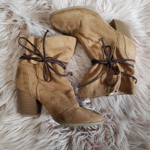 Qupid camel color faux suede slouch booties 8